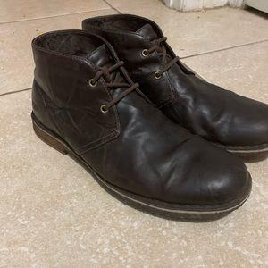 Brown Leighton Chukka Ugg boot